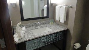 - Holiday Inn Hotel & Suites I-10 Northwest San Antonio