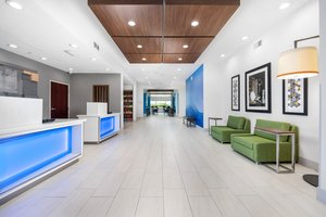 Lobby - Holiday Inn Express Hotel & Suites Conroe