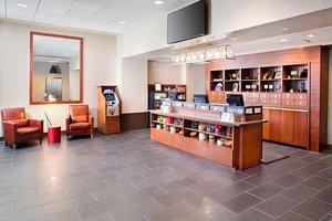 Lobby - Four Points by Sheraton Hotel Airport Philadelphia