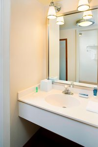 Room - Four Points by Sheraton Hotel Airport Philadelphia