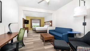 Room - Holiday Inn Express Hotel & Suites Conroe