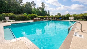 Pool - Holiday Inn Express Hotel & Suites Conroe