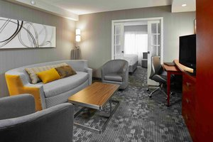 Suite - Courtyard by Marriott Hotel Brampton