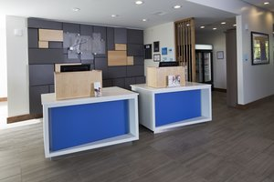 Lobby - Holiday Inn Express Hotel & Suites Downtown Alpena