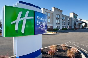 Exterior view - Holiday Inn Express Hotel & Suites Grove City