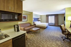 Room - Holiday Inn Express Hotel & Suites Fort Wayne