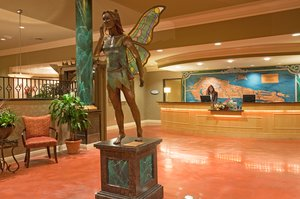 Lobby - Holiday Inn Hotel & Suites Maple Grove