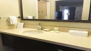- Staybridge Suites Hotel Chatsworth