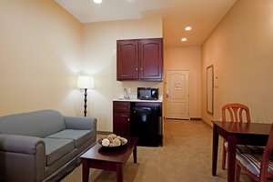 Suite - Holiday Inn Express Hotel & Suites Hawthorne
