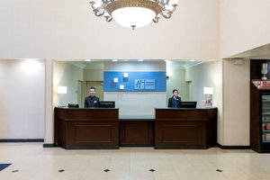 Lobby - Holiday Inn Express Hotel & Suites Hawthorne
