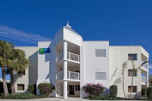 Exterior view - Holiday Inn Express Oceanview Juno Beach