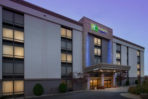 Exterior view - Holiday Inn Express Woburn