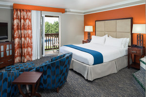 Room - Holiday Inn Express Hotel & Suites McKinleyville