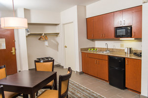 Room - Holiday Inn Express Hotel & Suites Erie