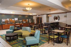 Restaurant - Holiday Inn Express Hotel & Suites Erie