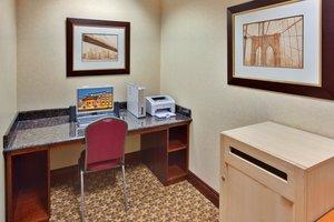 proam - Holiday Inn Express Hotel & Suites Brockville