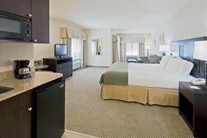 Suite - Holiday Inn Express Hotel & Suites Marina Marathon