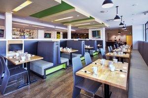 Restaurant - Holiday Inn Airport Polo Park Winnipeg