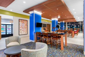 Lobby - Holiday Inn Express Hotel & Suites Union Gap