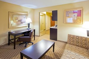 - Holiday Inn Express Hotel & Suites Chestertown