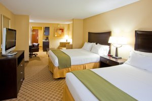 Suite - Holiday Inn Express Hotel & Suites Chestertown