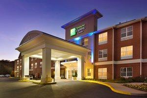 Exterior view - Holiday Inn Express Hotel & Suites Manassas