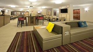 Lobby - Holiday Inn Express Hotel & Suites Minnetonka