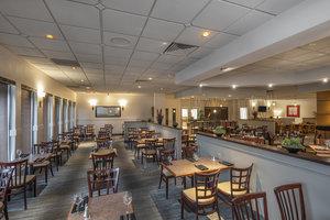 Restaurant - Holiday Inn MacLeod Trail Calgary