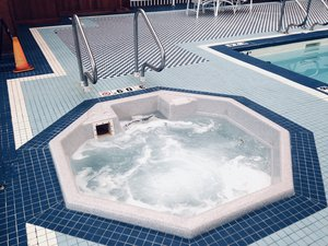Pool - Crowne Plaza Hotel Pittsfield