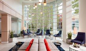 Lobby - River's Edge Hotel Portland