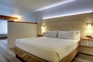 Room - Holiday Inn Express Brown Deer