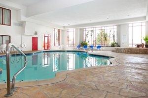 Pool - Holiday Inn Express Hotel & Suites Olathe