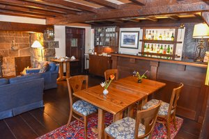 Bar - Hastings House Salt Spring Island