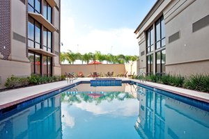 Pool - Crowne Plaza Hotel Kenner