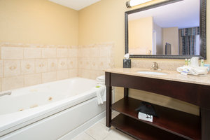 - Holiday Inn Express Hotel & Suites Lexington