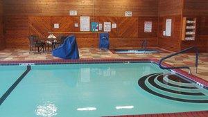 Pool - Holiday Inn Express Hotel & Suites Lexington