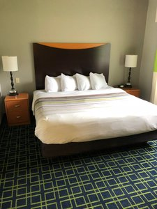 Room - Country Inn & Suites by Radisson Brookings