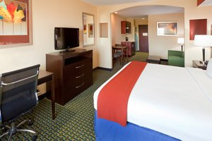 Suite - Holiday Inn Express Hotel & Suites Lubbock