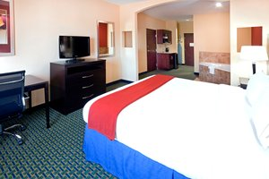 Room - Holiday Inn Express Hotel & Suites Lubbock