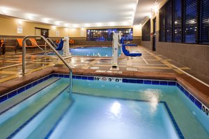 Pool - Holiday Inn Express Hotel & Suites North Davenport