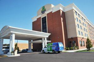 Exterior view - Holiday Inn Express Hotel & Suites Norfolk