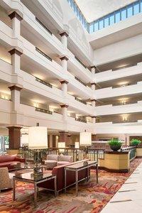 Lobby - Sheraton Suites Cuyahoga Falls