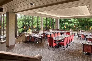 Restaurant - Sheraton Suites Cuyahoga Falls