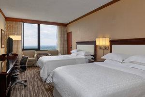 Room - Sheraton Hotel Lakewood