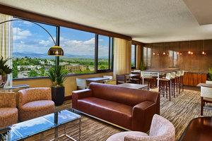 Bar - Sheraton Hotel Lakewood