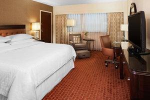 Room - Sheraton Hotel Detroit Airport Romulus