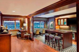 Bar - Sheraton Bayfront Hotel Erie