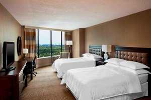 Room - Sheraton Four Seasons Hotel Greensboro