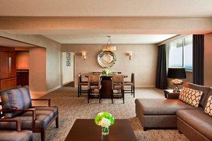 Suite - Sheraton Four Seasons Hotel Greensboro