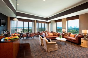 Bar - Sheraton Four Seasons Hotel Greensboro